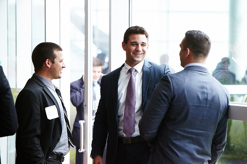 Network Like a Pro: How to Demonstrate Trustworthiness Through Body Language