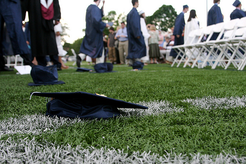 PayScale's VIP Blog Roundup: How to Talk to Your College Grad About Getting a Job