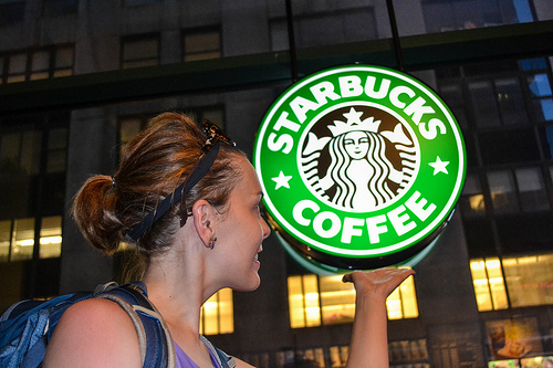 Starbucks Offers Free Online College Classes to Employees