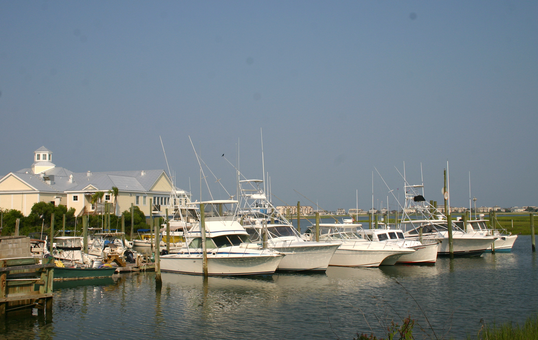 Assistant restaurant managers salary in murrells inlet for Murrells inlet sc fishing